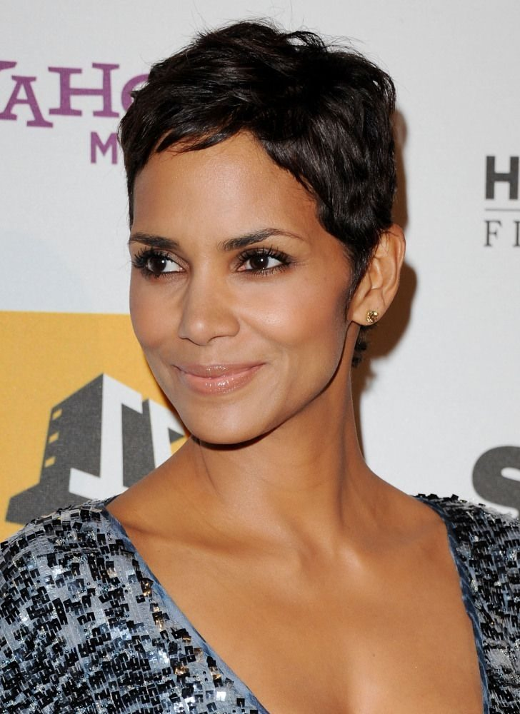 Permalink to 11 Awesome Halle Berry Short Haircut